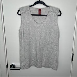 Cashmere blend sleeveless grey sweater